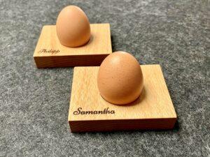 Eierbecher aus Buchenholz, mit Wunschgravur